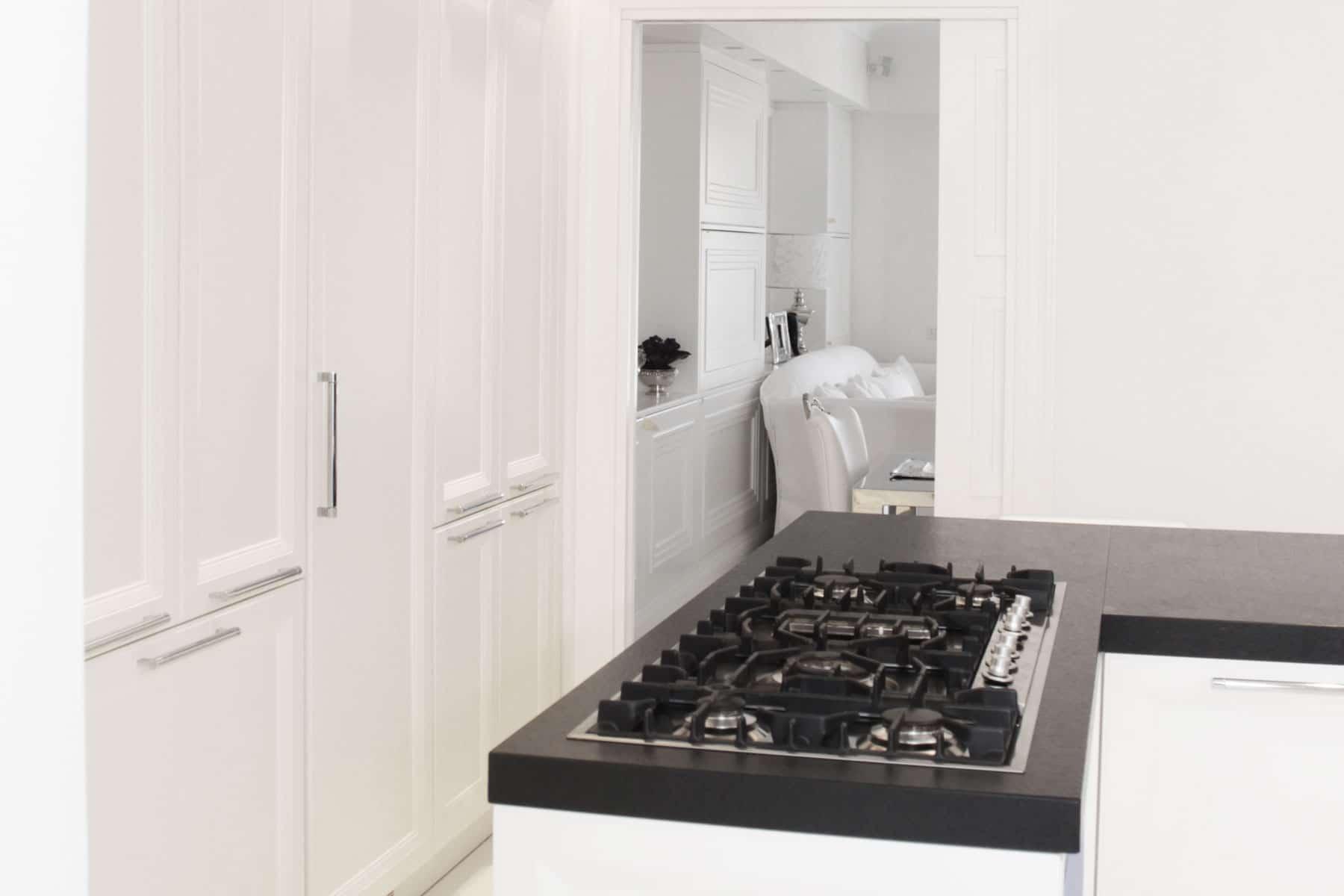 Cucina con piani in ardesia falegnameria caponi - Ardesia in cucina ...